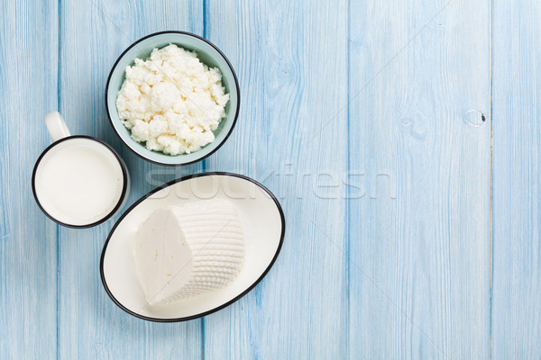 Lait fromages table en bois haut vue Photo stock © karandaev