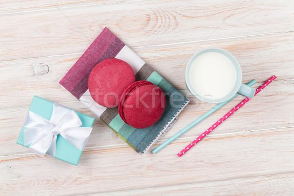Coloré macarons tasse lait coffret cadeau blanche Photo stock © karandaev