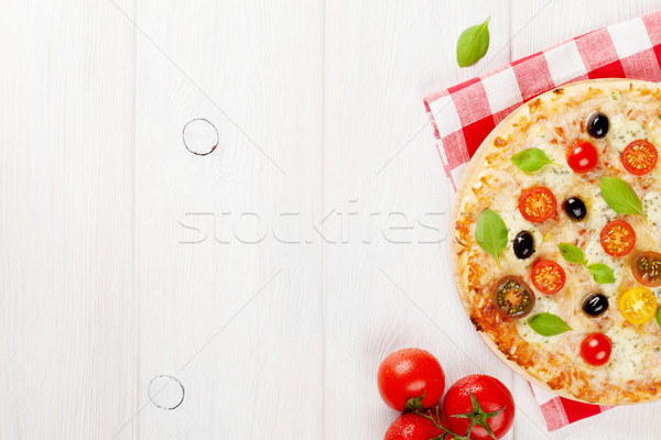 Italien pizza fromages tomates olives basilic Photo stock © karandaev