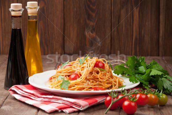 Spaghetti pasta tomaten peterselie houten tafel hout Stockfoto © karandaev