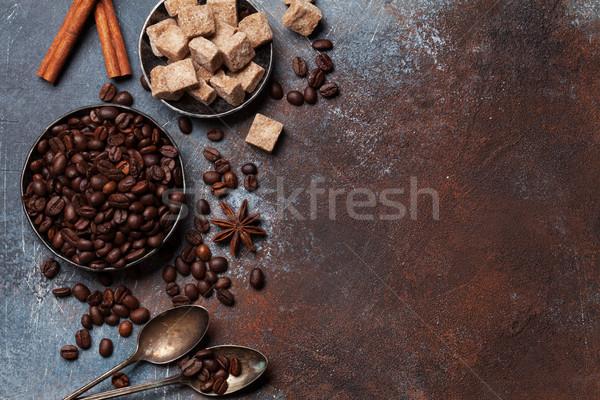 Koffiebonen suiker specerijen top ruimte Stockfoto © karandaev