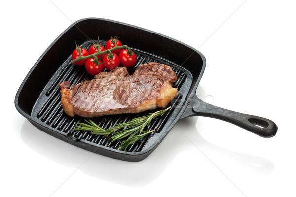 Sığır filetosu biftek biberiye kiraz domates pişirme tava Stok fotoğraf © karandaev