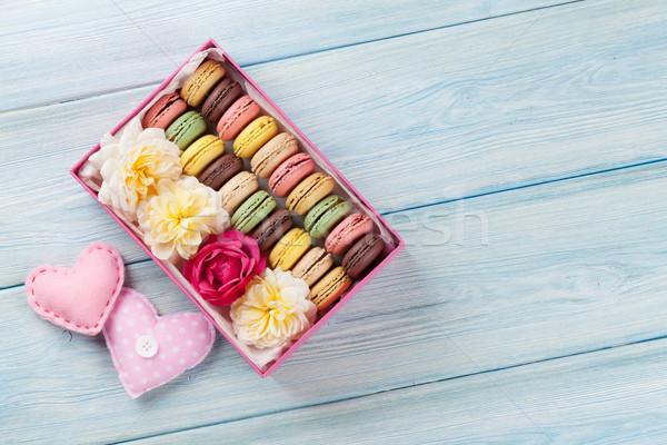 красочный Sweet macarons деревянный стол шкатулке сердцах Сток-фото © karandaev