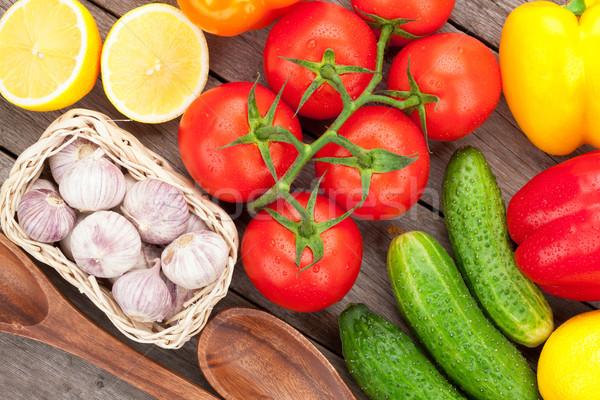 Stock fotó: Friss · érett · zöldségek · fa · asztal · kert · háttér