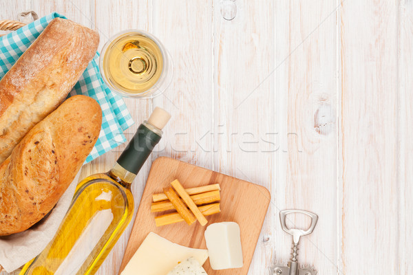 White wine, cheese and bread Stock photo © karandaev