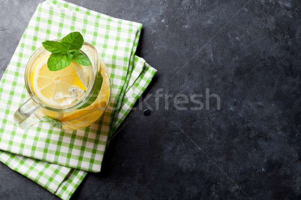 Limonade citron menthe glace pierre table Photo stock © karandaev