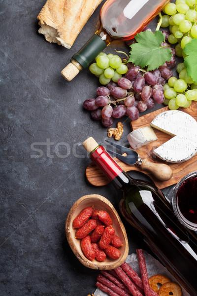 Stock fotó: Piros · fehérbor · szőlő · sajt · kolbászok · üvegek