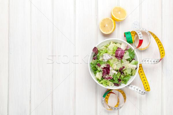 świeże zdrowych Sałatka przybory centymetrem biały Zdjęcia stock © karandaev