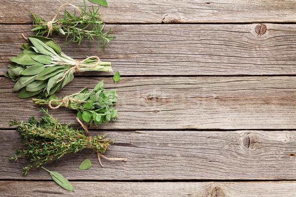 ストックフォト: 新鮮な · 庭園 · ハーブ · 木製のテーブル · オレガノ · セージ