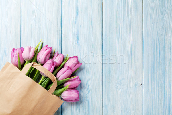 新鮮な ピンク チューリップ 花 紙袋 木製のテーブル ストックフォト © karandaev