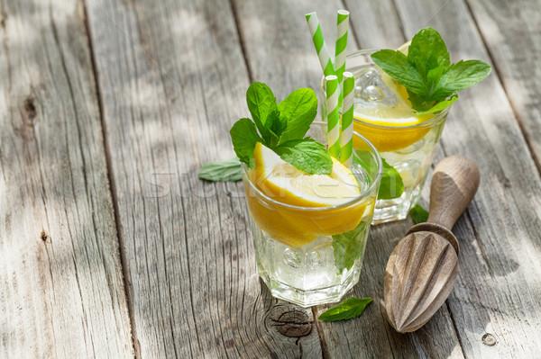Limonádé citrom jég menta kert asztal Stock fotó © karandaev
