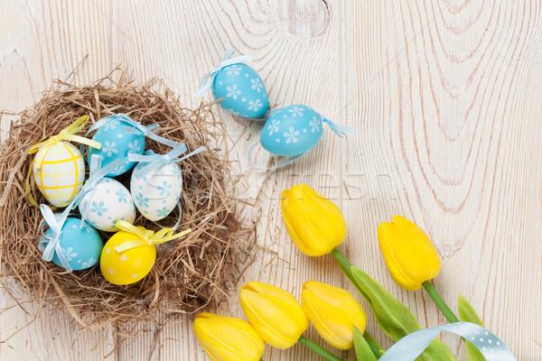 Stock fotó: Húsvéti · tojások · citromsárga · tulipánok · fészek · fehér · fa · asztal