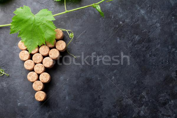 Wijn druif vorm wijnstok steen tabel Stockfoto © karandaev
