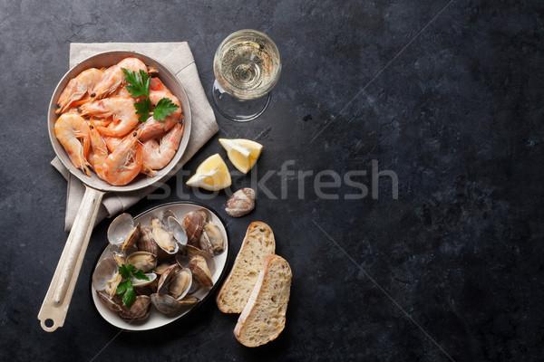 Vers zeevruchten witte wijn steen tabel top Stockfoto © karandaev