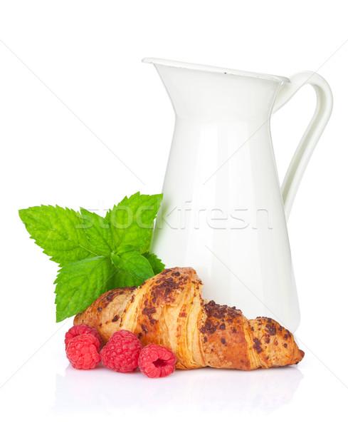 Tej friss croissant bogyók izolált fehér Stock fotó © karandaev