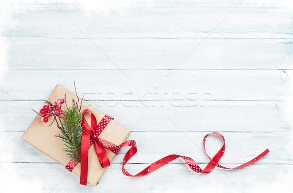 Stok fotoğraf: Noel · hediye · kutusu · ahşap · kar · üst · görmek