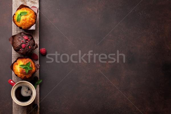 Muffins koffie bessen top ruimte Stockfoto © karandaev