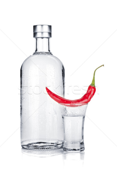 Bouteille coup verre vodka rouge piment Photo stock © karandaev