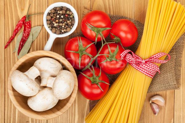 Stock fotó: Tészta · paradicsomok · gombák · fűszer · fa · asztal · tojás