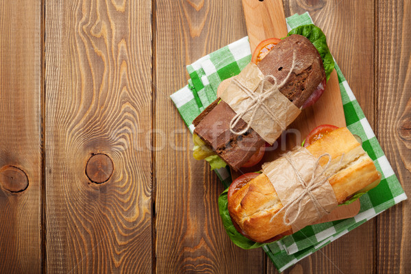 Photo stock: Deux · sandwiches · salade · jambon · fromages · tomates