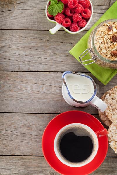 здорового завтрак мюсли молоко Ягоды деревянный стол Сток-фото © karandaev