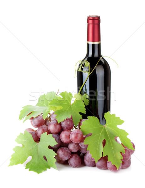 Vino rosso bottiglia uve isolato bianco alimentare Foto d'archivio © karandaev