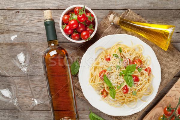 спагетти пасты и белое вино деревянный стол Top Сток-фото © karandaev