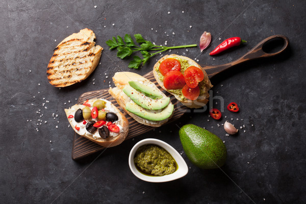 Toast panini avocado pomodori olive pietra Foto d'archivio © karandaev