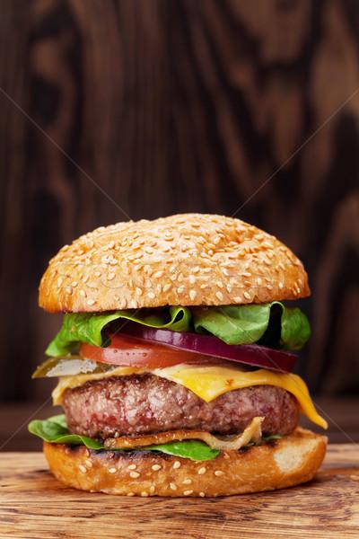 Smakelijk gegrild hamburger koken rundvlees Stockfoto © karandaev