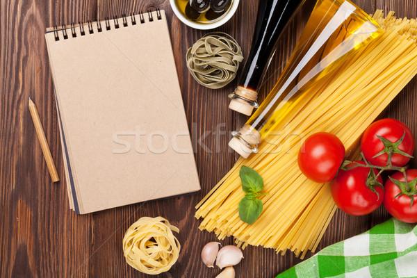 итальянской кухни приготовления Ингредиенты пасты помидоров базилик Сток-фото © karandaev