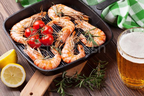 ızgara tava bira ahşap masa balık deniz Stok fotoğraf © karandaev