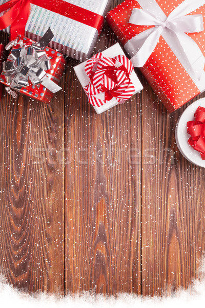 Coffrets cadeaux table en bois haut vue for Table vue de haut