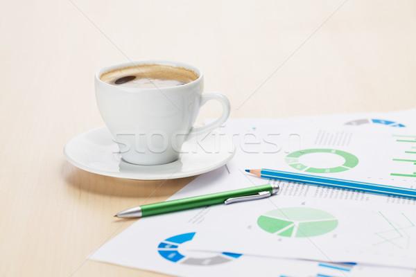 Stock fotó: Iroda · munkahely · kávéscsésze · táblázatok · fából · készült · asztal