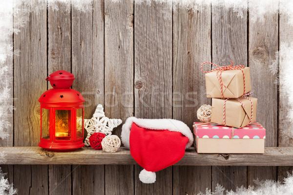 Stok fotoğraf: Noel · mum · fener · hediyeler · ahşap