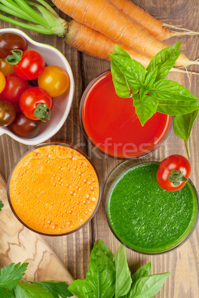 Légumes frais smoothie tomate concombre carotte table en bois Photo stock © karandaev