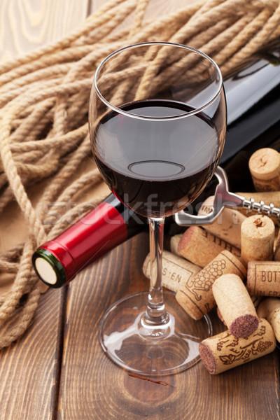 Glas Rotwein Flasche rustikal Holztisch Essen Stock foto © karandaev