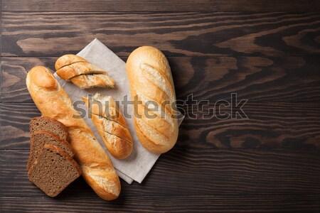 Сток-фото: свежие · хлеб · деревянный · стол · Top · мнение · пространстве