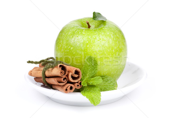 Maduro verde manzana menta canela placa Foto stock © karandaev