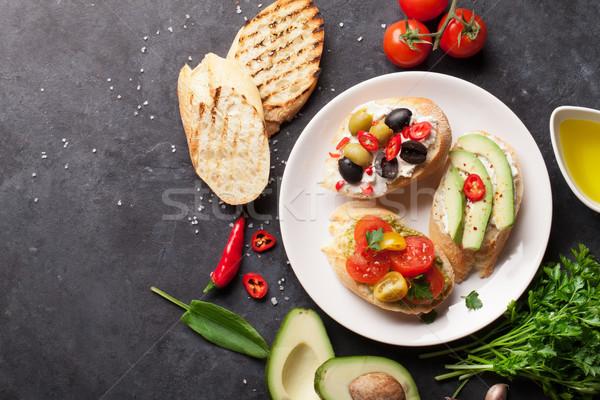 Toast sandwiches avocat tomates olives pierre Photo stock © karandaev
