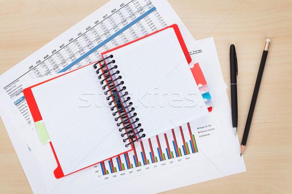 Notatnika widok z góry farbują tabeli Zdjęcia stock © karandaev