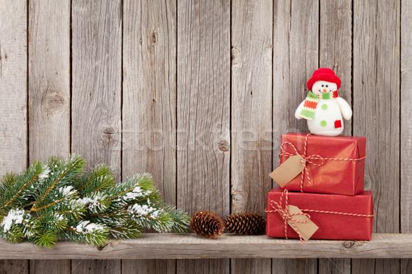 Stock fotó: Karácsony · ajándékdobozok · fenyőfa · ág · fából · készült · fal