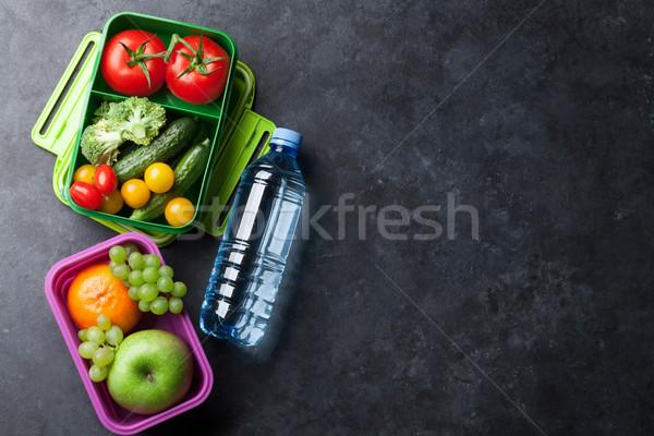 Pranzo finestra verdura frutti bottiglia d'acqua ragazzi Foto d'archivio © karandaev