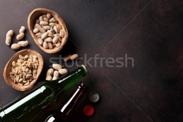 Piwo jasne pełne piwa przekąski kamień tabeli różny Zdjęcia stock © karandaev