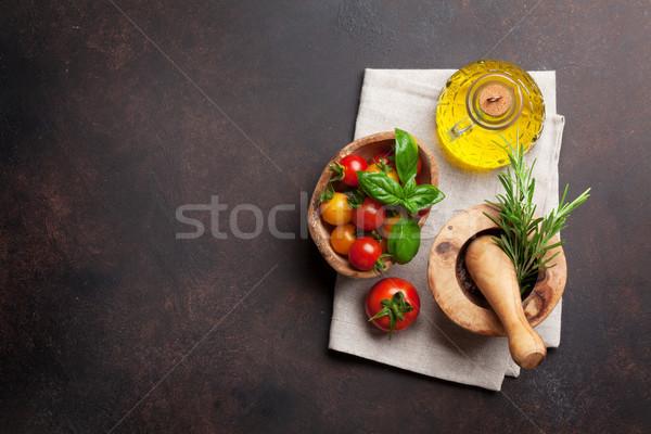 Comida italiana tomates azeite ervas temperos pedra Foto stock © karandaev