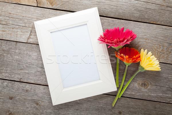 Сток-фото: три · красочный · цветы · деревянный · стол · природы