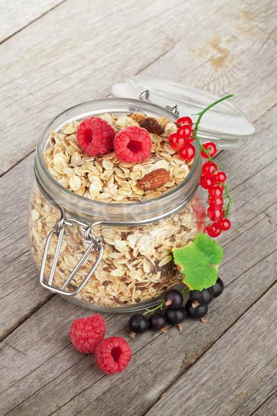 朝食 ミューズリー 液果類 木製のテーブル ガラス 健康 ストックフォト © karandaev