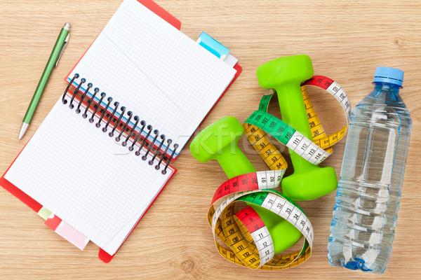Mètre à ruban notepad espace de copie fitness santé isolé Photo stock © karandaev
