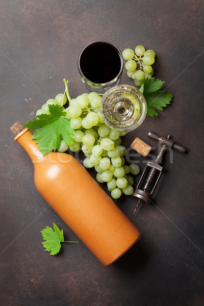 Weingläser Flasche Trauben Stein Tabelle top Stock foto © karandaev