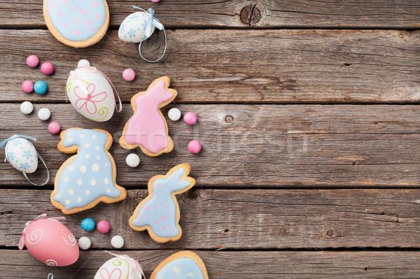 Paskalya zencefilli çörek kurabiye yumurta ahşap masa renkli Stok fotoğraf © karandaev