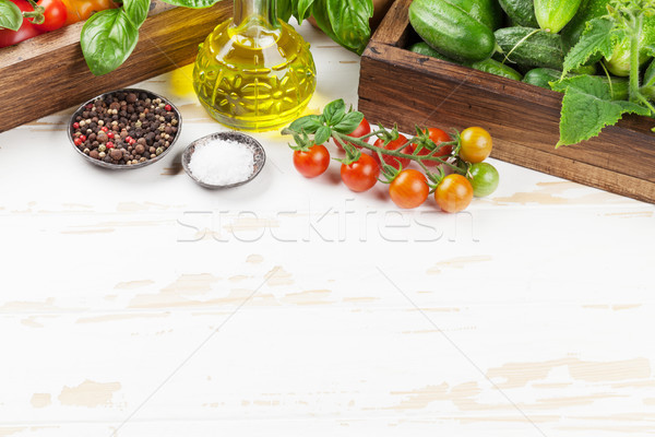 Taze bahçe domates salatalık pişirme tablo Stok fotoğraf © karandaev